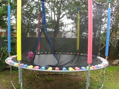 Here's a great way to keep the kids safe on the Trampoline and all you need are pool noodles cut to cover the springs. It's so easy! Pool Noodle Trampoline, Trampoline Springs, Backyard Trampoline, Backyard Playground, Backyard For Kids, Backyard Games, Backyard Projects, Trampoline Ideas, Backyard Ideas