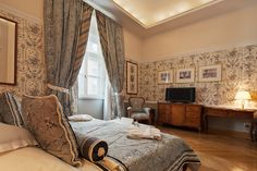 DeLuxe Room no. 203 Book now on: http://www.palacbonerowski.com/accomodation-page-73162  #krakow #travel #thebonerowskipalace #historichotelsofeurope #boutique #object #poland #luxury