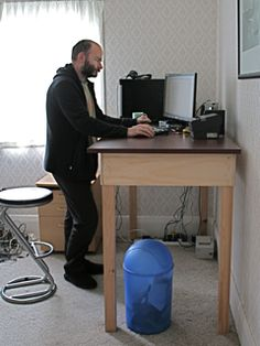Post image for A Stand-Up Guy: DIY Standing Desk