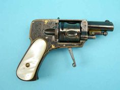*Fine Engraved and Gold Inlaid A. Francotte Hammerless Pocket Double Action Revolver 5shot circa 1898 and 8mms caliber
