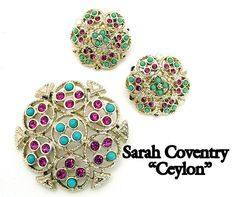 How To Choose Jewelry Vintage Costume Jewelry, Vintage Costumes, Vintage Jewelry, Sarah Coventry Jewelry, Finger Plays, Wardrobe Basics, How To Look Classy, Vintage Brooches, Long Nails