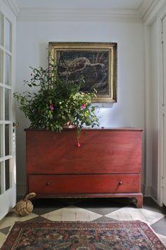 Primitive Antiques, Primitive Furniture, Primitive Homes, Antique Furniture, Painted Furniture, Country Furniture, Painted Floors, Painted Wood, Blanket Chest