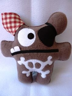 doudou pirate Softies, Plushies, Sewing Toys, Sewing Crafts, Felt Crafts, Diy And Crafts, Soft Toys Making, Fabric Toys, Felt Dolls