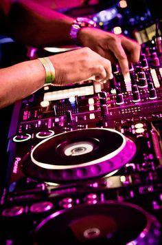 http://www.flickr.com/photos/leandroburlim/7350889808/in/photostream/