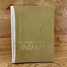 The Living World Of Animals book Readers Digest 1970 Vintage nature earth Readers Digest, Earth, World, Nature, Books, Animals, Ebay, Vintage, Naturaleza