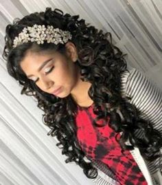 What dress will you wear in your Quinceanera? What hairstyle will you do for your Quinceanera? These are the most asked questions to a girl turning 15 in the near future. Quince Hairstyles, Crown Hairstyles, Bride Hairstyles, Updo Hairstyle, New Natural Hairstyles, Wedding Hairstyles For Long Hair, Quinceanera Hairstyles, Hair Styles For Quinceanera, Quinceanera Shoes