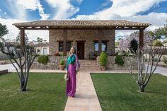 Busca imágenes de Casas de estilo rústico: Casa del Porche de Piedra. Encuentra las mejores fotos para inspirarte y crea tu hogar perfecto.