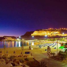 Amadores beach in Gran Canaria after sunset