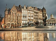 Rain, clouds and sun… Definitely autumn is coming to an end! Enjoy winter in Brussels