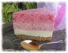 The best Strawberry-Raspberry Cheesecake recipe. Perfect for summertime parties, birthdays, baby showers, etc. Raspberry Cheesecake, Cheesecake Recipes, Cheesecakes, Vanilla Cake, Baked Goods, Summertime, Birthdays, Strawberry, Treats