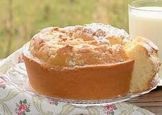Ciambella al latte senza uova Sweet Cooking, Just Cooking, Cooking Time, Light Desserts, Just Desserts, Dessert Recipes, Italian Cake, Torte Cake, Yogurt