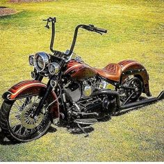 Untitled #harleydavidsonbaggercaferacers Harley Davidson Chopper, Classic Harley Davidson, Harley Davidson Street Glide, Harley Davidson Motorcycles, Lowrider, Harley Softail, Chicano, Auto Retro, Used Motorcycles
