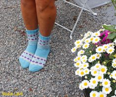 Ravelry: Juliana sokkker pattern by StrikkeBea Ravelry, Opal, Slippers, Socks, Sneakers, Shopping, Design, Patterns, Fashion