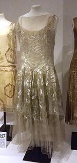 Madeleine Vionnet - Wikipedia, the free encyclopedia 20s Fashion, Fashion History, Art Deco Fashion, Fashion Dresses, 20s Dresses, Flapper Dresses, Edwardian Fashion, Evening Dresses, Jeanne Lanvin