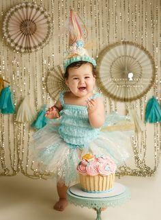 Gold Cream aqua pink giant cupcake princess cake M & J are One – Petaluma Cake smash photographer » Jeneanne Ericsson Photography