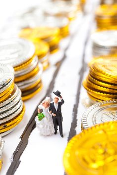 7 Ways to Prevent Finances from Ruining Your Marriage - Finances can be a real hot button in marriage. Keep your finances and your relationship on track with these 7 Ways to Prevent Finances from Ruining Your Marriage. Marriage Tips, Happy Marriage, Love And Marriage, Menu Planning, Recipes, Family Life, Relationships, Track, University