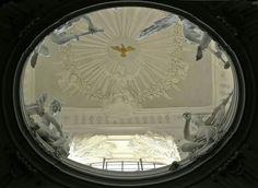 Musici sul lanternino della cappella di Santa Cecilia. Roma, San Carlo ai Catinari.