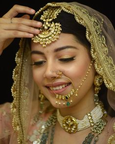 From Dewy to Shimmer: All Glam Bridal Makeup Trends that Ruled in 2018 – Bridal Makeup – Bridal Eye Makeup Simple Bridal Makeup, Best Bridal Makeup, Bride Makeup, Wedding Makeup, Indian Bridal Makeup, Indian Wedding Jewelry, Bridal Jewelry, Makeup Trends, Makeup Ideas