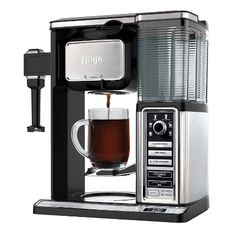 Take a look at this Ninja Coffee Bar® Glass Carafe System today! Coffee Brewer, Coffee Cups, Coffee Coffee, Latte Maker, Coffee Games, Coffee Review, Ninja Coffee, Great Coffee, Coffee Machine