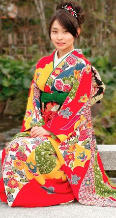 wear a kimono in your fave color (article about prints)