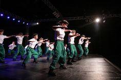 Neste final de semana Timbó vai respirar dança! É a 16ª edição do Festival de Dança de Timbó, que começa nesta sexta e segue até domingo, com início sempre às 19h, no Pavilhão de Eventos Henry Paul. A grande novidade deste ano é o recorde de participantes: ao todo, 1.700 bailarinos, vindos de 20 cidades ...