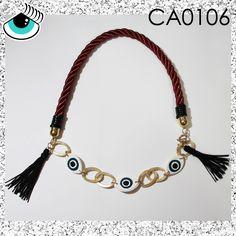 Collar de cordón grueso, borlas negras, cadena y ojos / Thick cord, black tassel, chain and eyes necklace