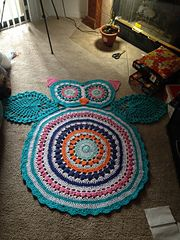 Looks great in solid color as well. free pattern. would be cute for a baby's room