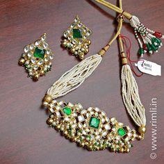 Polki choker set. . Old world charm! . . . #jewellery #polki #kundan #heritagejewellery #indianjewellery #weddinginspiration #indianwedding #earrings #choker #necklace #bridaljewellery #polkinecklace #bollywoodstyle #southindianjewellery #telugubride #telugu #sustainablefashion #weddingseason #chennai #rimliboutique