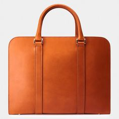 Made in Italy with full-grain, vegetable-tanned leather. A contemporary briefcase acting as a personal portfolio; an everyday companion for the modern gentleman. Cute Laptop Bags, Best Laptop Backpack, Backpack For Teens, Laptop Case, Ipad Case, Leather Laptop Bag, Leather Luggage, Leather Briefcase, Leather Shoulder Bag