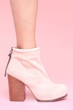 Rumble Boot - Blush Suede
