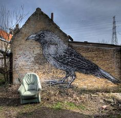 village-abandonne-envahi-par-le-street-art2