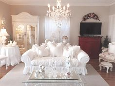 Romantic Living Room, French Country Living Room, Shabby Chic Living Room, Shabby Chic Interiors, Shabby Chic Homes, Shabby Chic Furniture, Beautiful Interiors, Shabby Chic Decor, Vintage Home Decor