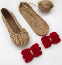Slippers, Chic, Shoes, Fashion, Loafers & Slip Ons, Crocheting, Tights, Shabby Chic, Moda
