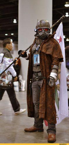Fallout cosplay man