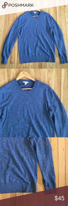 "Men's Gap Slub Cotton Crewneck Sweater Medium Men's Gap Slub Cotton Crewneck Sweater. Cornflower Blue color with Ribbed trim at collar, cuffs, and bottom hem. Size Medium, 21"" armpit to armpit, 26"" shoulder to hem, 26"" sleeve. 80% cotton, 20% nylon. Some slight pulling under arm, not visible when on. No trades, bundle discount available! GAP Sweaters Crewneck"