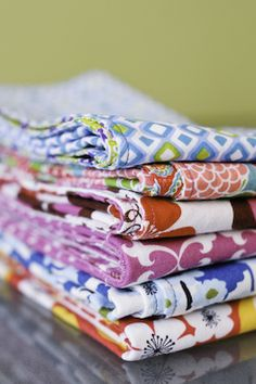 Make your own napkins using fat quarters - easy-peasy!
