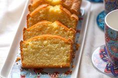 Cake à la crème fraîche épaisse et au citron ultra moelleux et savoureux à souhait, une recette facile et rapide à préparer pour combler une envie soudaine de gourmandise ou à présenter à vos invités qui débarquent à l'improviste! Un gâteau réconfortant très fruité, frais, fondant et succulent Citron Cake, Creme Fraiche, Recipe Images, Beignets, Caramel Apples, Cheesecakes, Cornbread, Vanilla Cake, Banana Bread