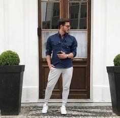Look prático e confortável que combina com o seu final de semana.   #lookfascynios #modamasculina #modajovem #fashion #moda #camisariafascynios #estilo #looks #lookmasculino #photooftheday #modaparaeles #camisas #model #modelo #ootd #blessed @rodrigoperek #lifestyle #photoshoot #camisamasculina