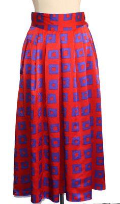 Vintage Franck Olivier silk skirt.   #Vintagefashion #Vintage #Vintageonline #shopvintage #retrofashion #vintageforsale #instafashion #vintageshop #vintageclothing #vintagefinds #stylist #vintagesale #etsyvintage #cfda #vintagelife #nyfw #womensfashion #jwmodest #lookbook #vintagedresses #retrodress #currentlywearing
