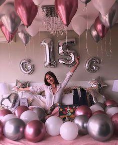 15th Birthday Party Ideas, Simple Birthday Decorations, Birthday Goals, Diy Birthday, Room Decoration For Birthday, Birthday Surprise Ideas, Birthday Photoshoot Ideas, Happy 15th Birthday, Indoor Birthday