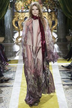 Roberto Cavalli Fall 2016 Ready-to-Wear Fashion Show - Julia Hafstrom