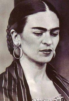 A beautiful young Frida.