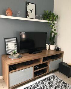 Parede cinza: 70 fotos de ambientes confortáveis e estilosos Home Living Room, Living Room Designs, Living Room Decor, Cute Dorm Rooms, Cool Rooms, Farmhouse Side Table, Small Living, Sweet Home, Palette