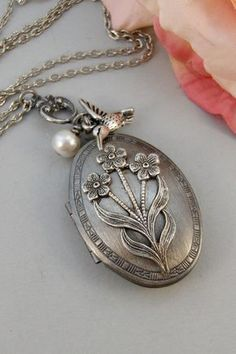 A Lovely Long Chain Pendant Necklace Set For Women A Vintage Vibe Orchid Jewelry 40 Ctw Natural Pear Green Serpentine Sterling Silver Pendant Necklace With An 18 Inch Chain