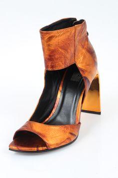 e14dc155a0 Os calçados do editorial feminino  principais apostas para o verão 2016.  Principais