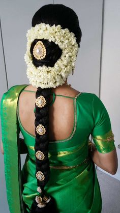 Here's all you need to know about South Indian Bridal Jewellery - All For Bridal Hair South Indian Wedding Hairstyles, Bridal Hairstyle Indian Wedding, South Indian Weddings, Bride Hairstyles, Flower Hairstyles, Bridal Braids, Bridal Hairdo, South Indian Bridal Jewellery, Bridal Jewelry