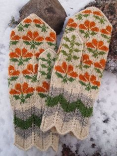 Finely Hand Knitted Seto (Estonian) Mittens in Siberian style Orange and Green ORDERS ONLY on Etsy - stunning work Crochet Mittens, Mittens Pattern, Knitted Gloves, Knit Crochet, Crochet Granny, Crochet Geek, Fingerless Mittens, Knit Cowl, Hand Crochet