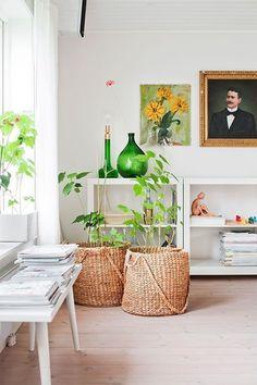 Amazing natural light in homes with tons of decor inspiration! #naturallight #homdecor #modern #trending #interior #interiordesign