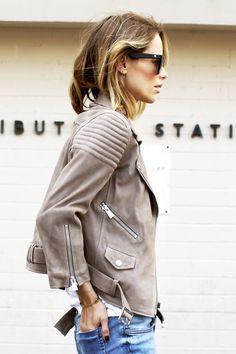 Anine Bing // wavy bob, suede jacket & jeans//