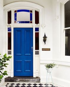La Villa Blanche - 2016 Home Decor Trends we loved! Dulux Exterior Paint, House Paint Exterior, Interior And Exterior, Interior Design, Painted Interior Doors, Painted Doors, Front Door Colors, Front Doors, Door Steps